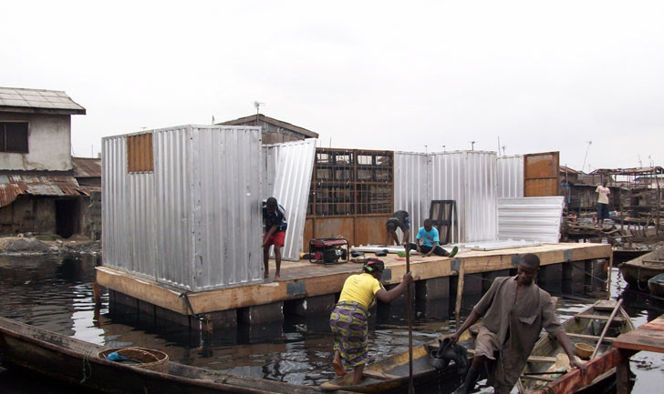 The modules make assembly (and disassembly) of the Hope Floats clinics simple. Local materials and labour are used to build the structure, which then launches from a docking point. Image © Open Architecture Network