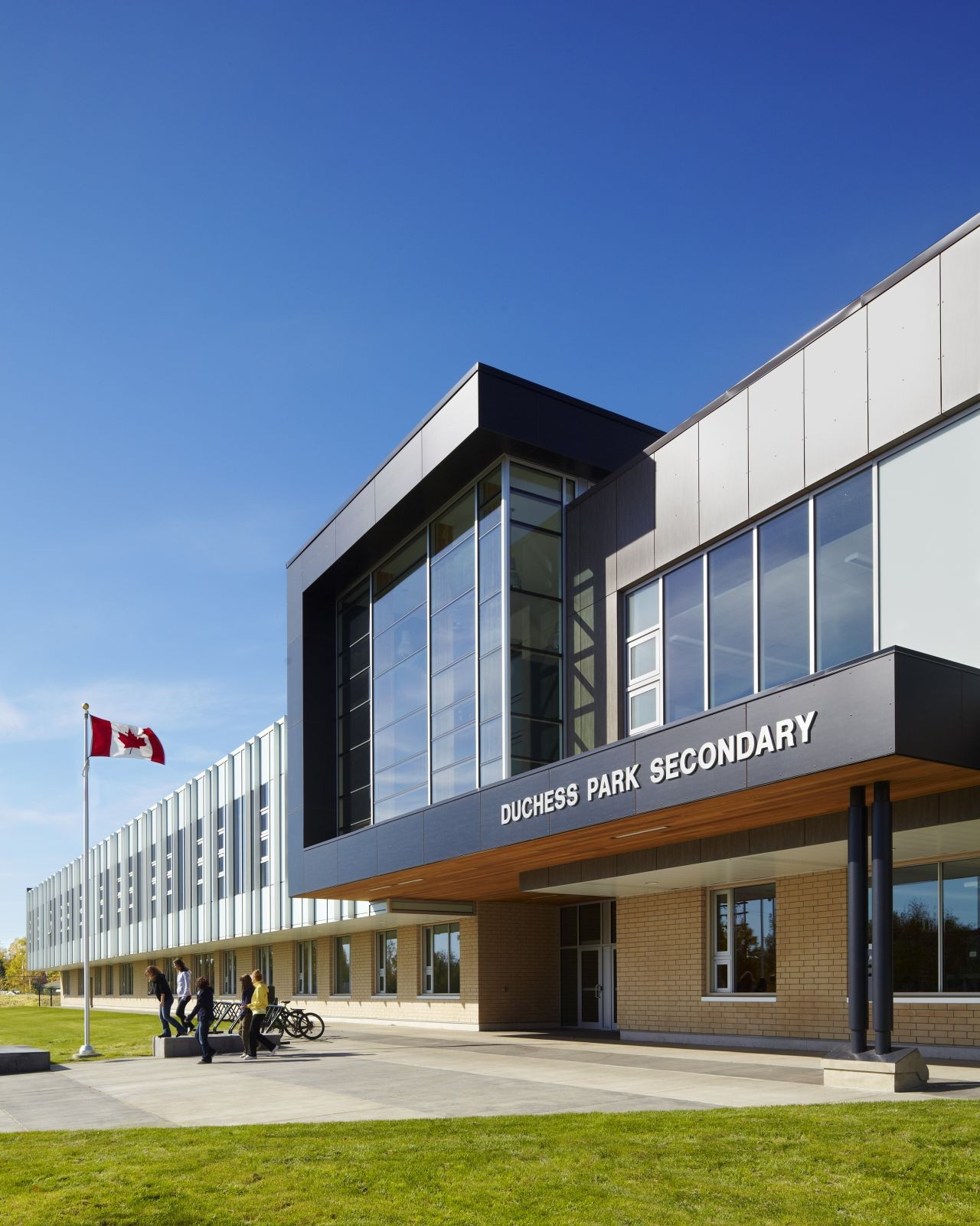 Gallery of duchess park secondary school hcma 3 for Exterior design office buildings