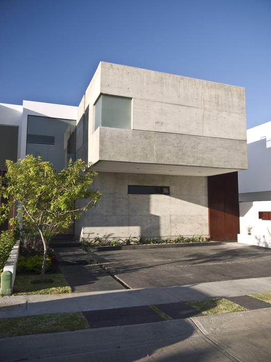 Casa gr em estudio plataforma arquitectura - Casas prefabricadas con terreno incluido ...