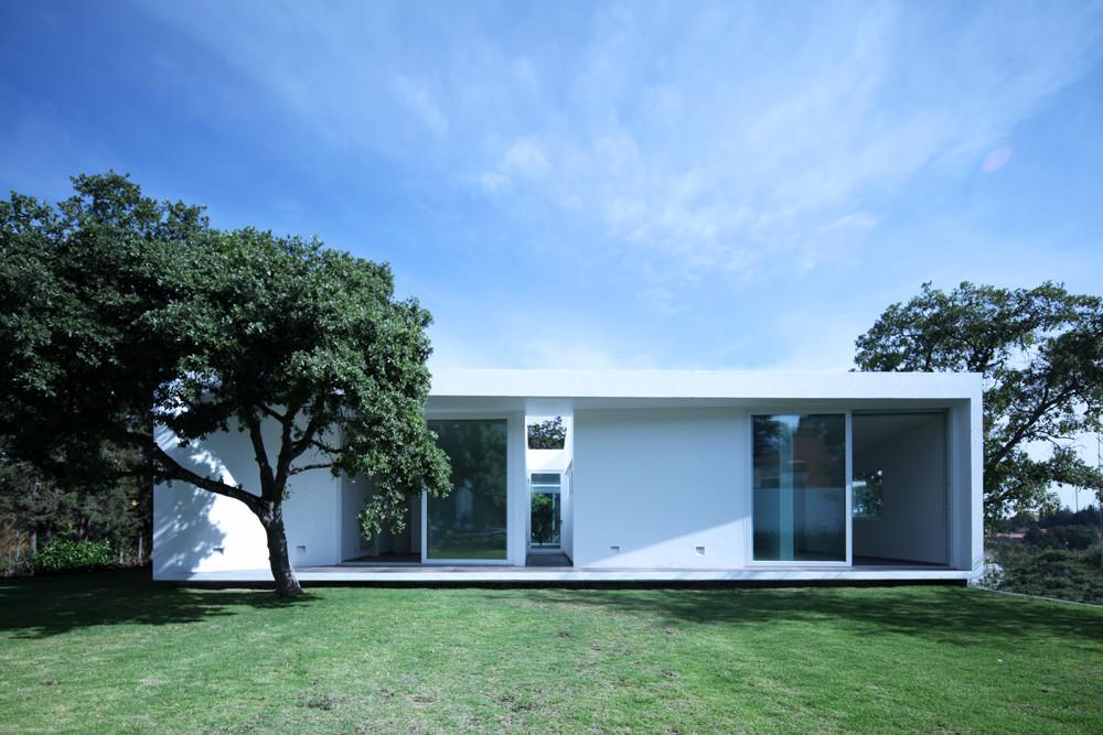 Aurelia house jorge hern ndez de la garza archdaily for Casas sencillas pero bonitas