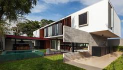 Planalto House / Flavio Castro