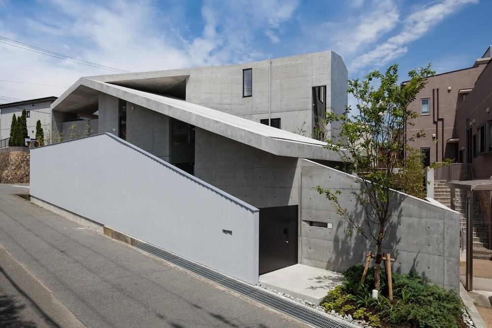 Gallery of house in hyogo shogo aratani architect for Architect associates