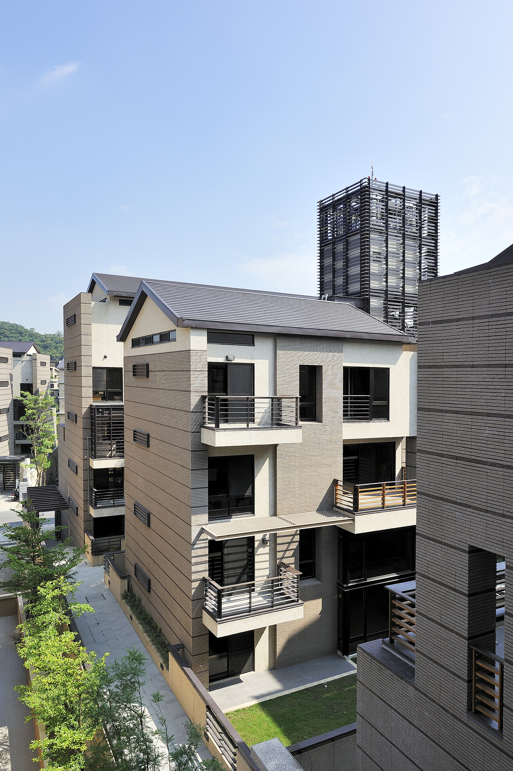 Gallery of mountain moon chin architects 26 for Moon architecture