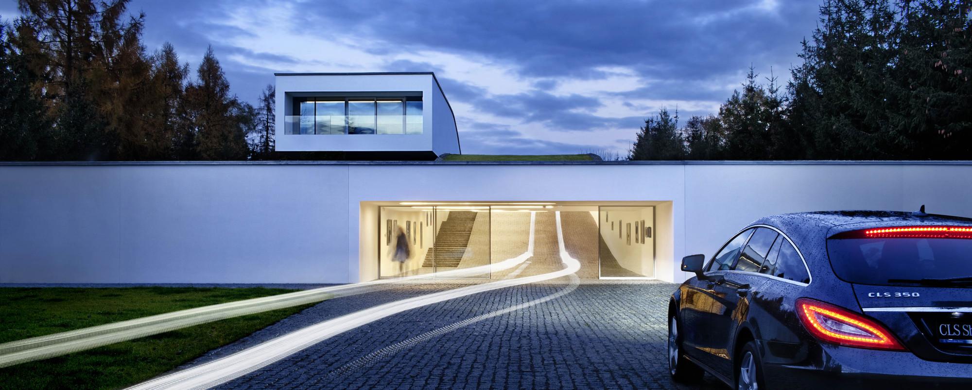 Gallery of autofamily house kwk promes 7 for Garage con studio