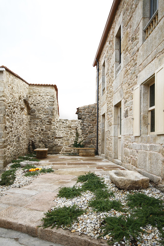 Stone respect dom arquitectura archdaily - Dom arquitectura ...