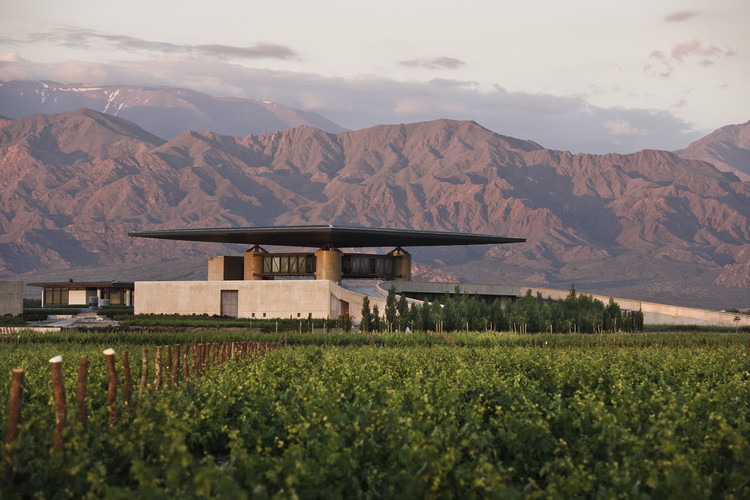 O. Fournier Winery / Bórmida & Yanzón, © García & Betancourt