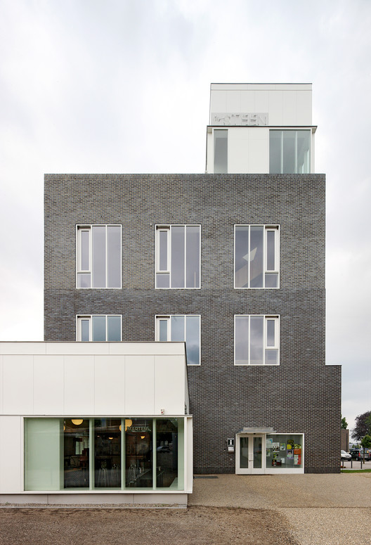 De Steen by ONO Architectuur. Image © Filip Dujardin
