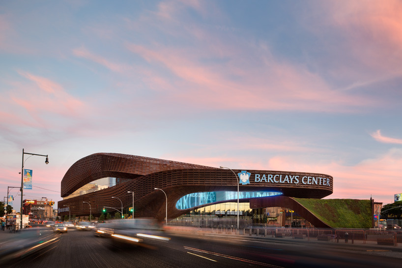 Neighborhood Catalyst: Barclays Center / SHoP Architects. Image © Bruce Damonte