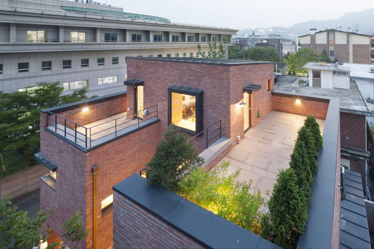 Gallery of house in hyojadong min soh gusang for Home design korea