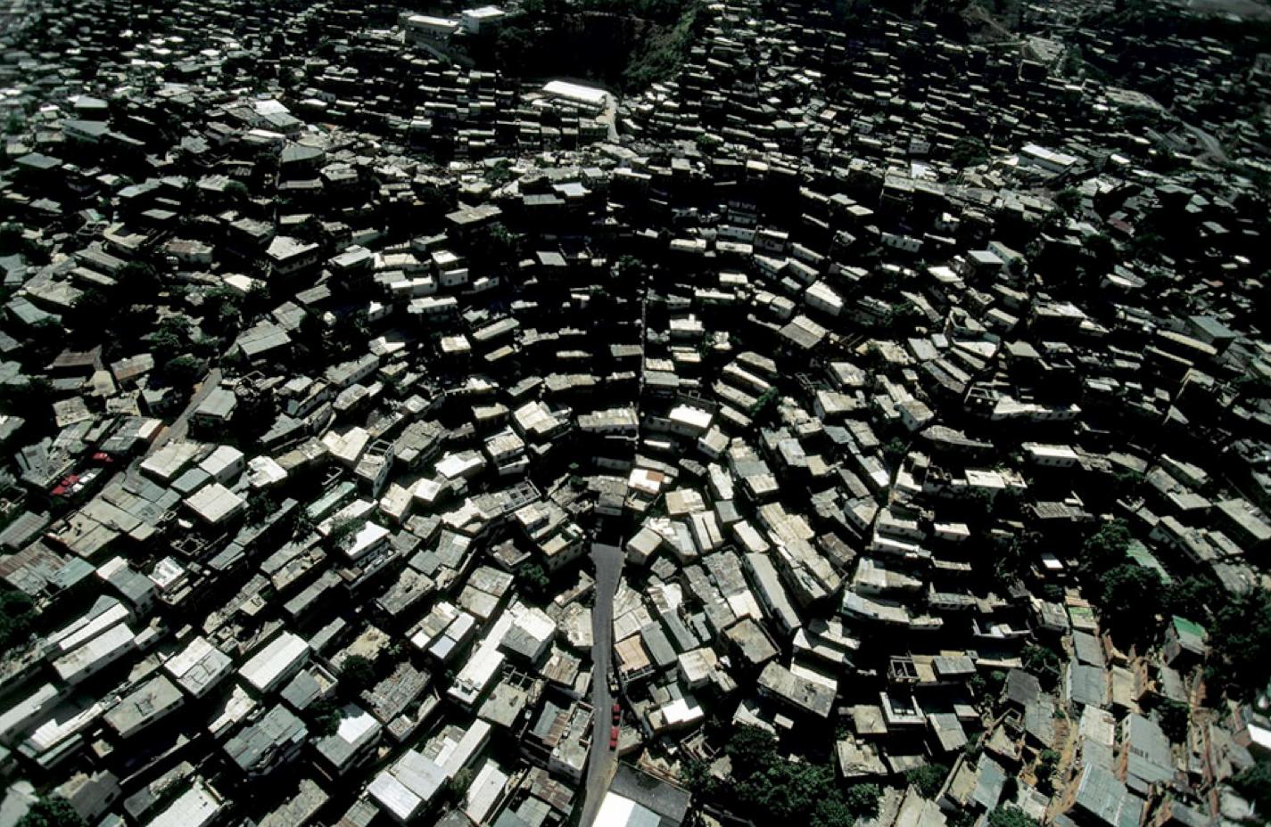 """Cine y Arquitectura: Especial Arqfilmfest 2013 [Parte 1], """"Caracas: The Informal City"""" / Urban-Think Tank. Imagen Vía Caracas1010a"""