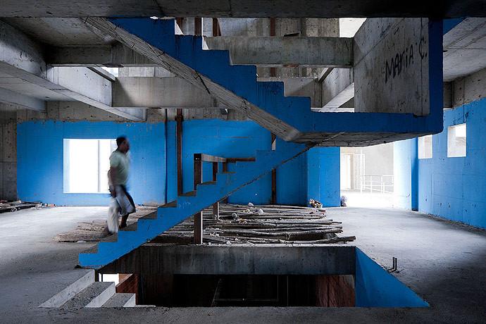 TED: Ingenious Homes in Unexpected Places / Iwan Baan ,  Torre David © Iwan Baan, Screen Shot