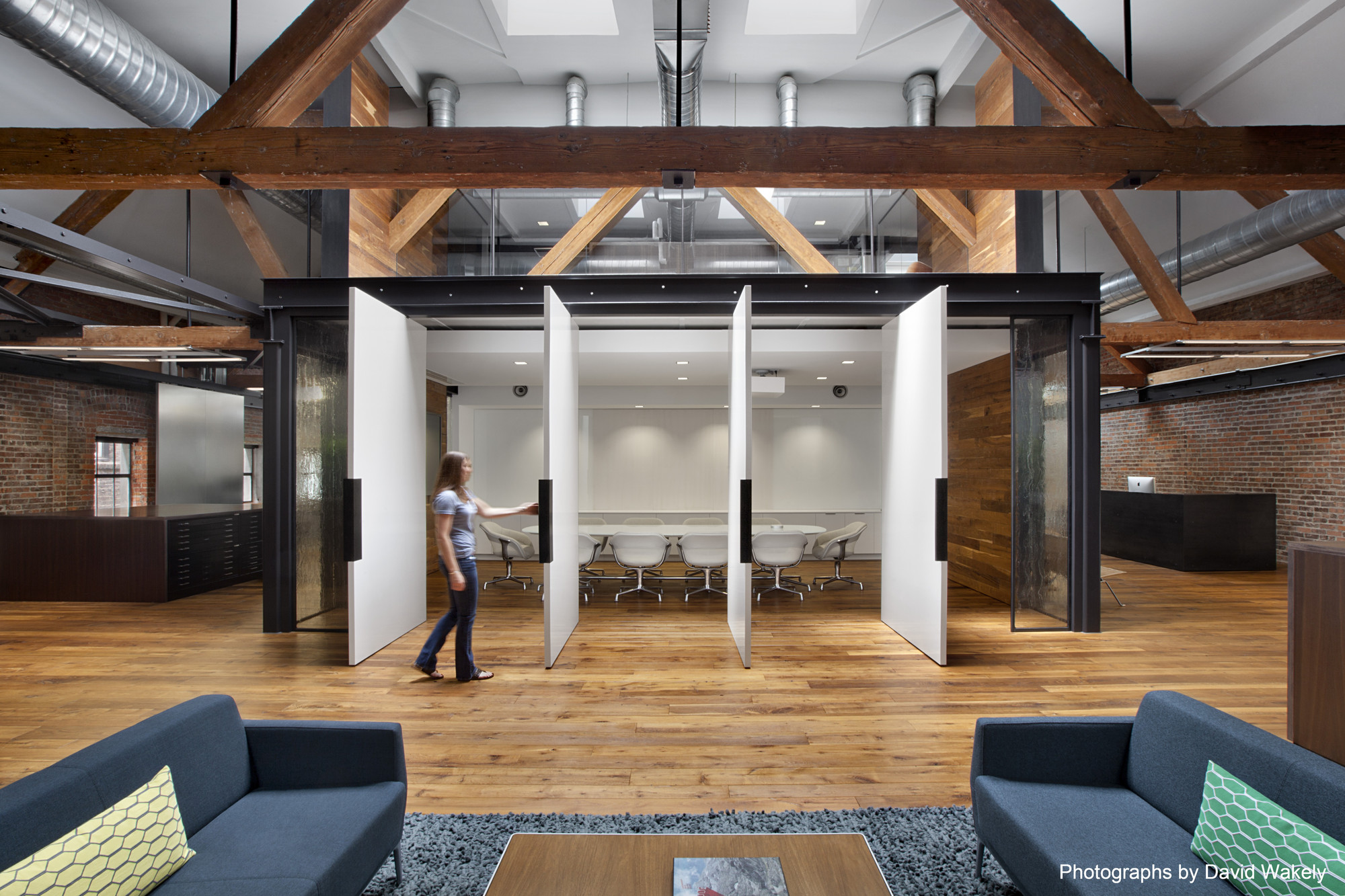 Tolleson Offices / Huntsman Architectural Group, © David Wakely