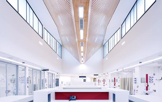 Alfred Hospital, Melbourne. Image © Rhiannon Slatter