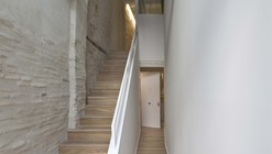 Building Refurbishment in Pamplona / Alfonso Alzugaray