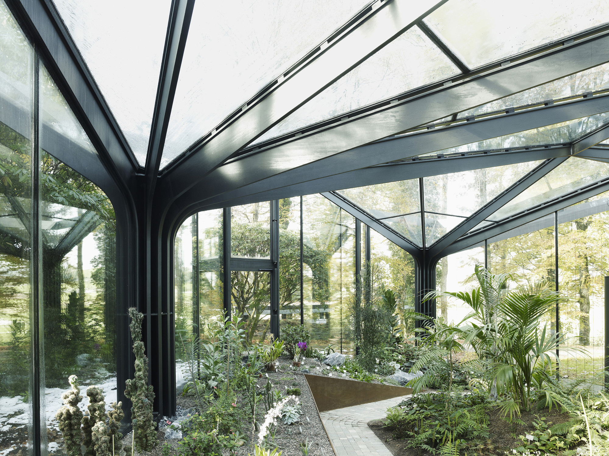 Greenhouse botanical garden grueningen ida archdaily for Architecture jardin