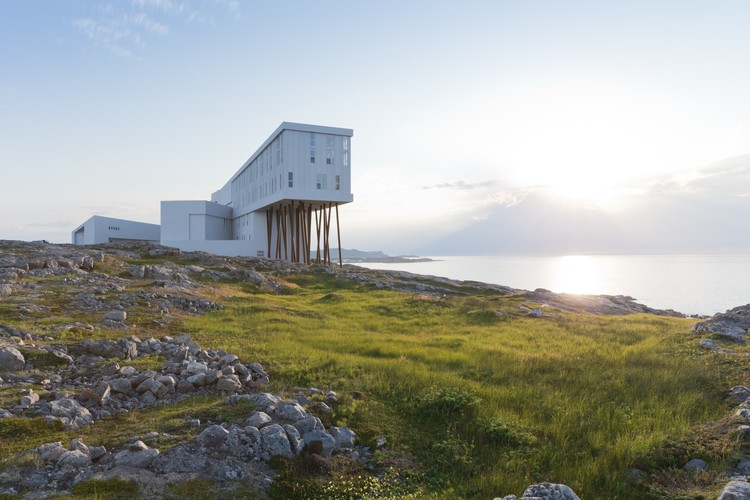 Fogo Island Inn / Saunders Architecture, ©  Iwan Baan
