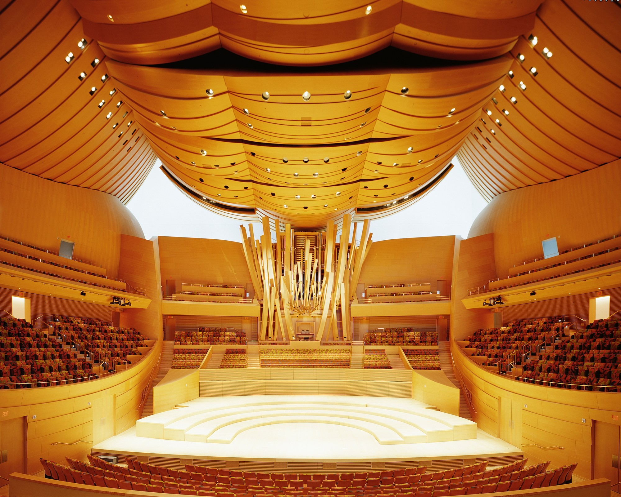 © 2013 Los Angeles Philharmonic Association