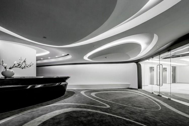 © Raymond Lau & Jerry Yin