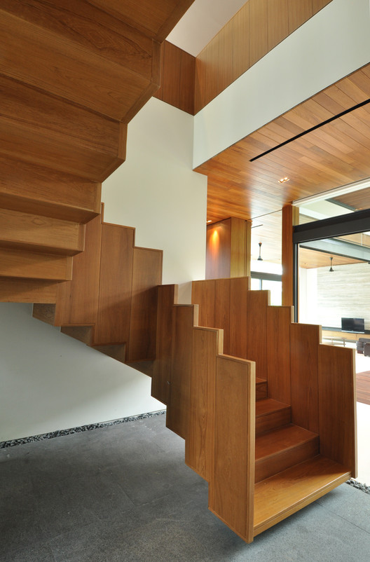 Sunset terrace house a collective archdaily for Terrace stairs