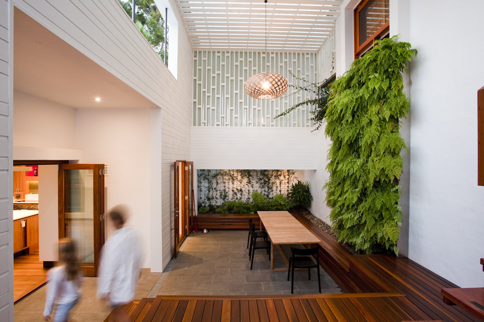 The Sunshine Beach House / Wilson Architects, © Brent Hardcastle