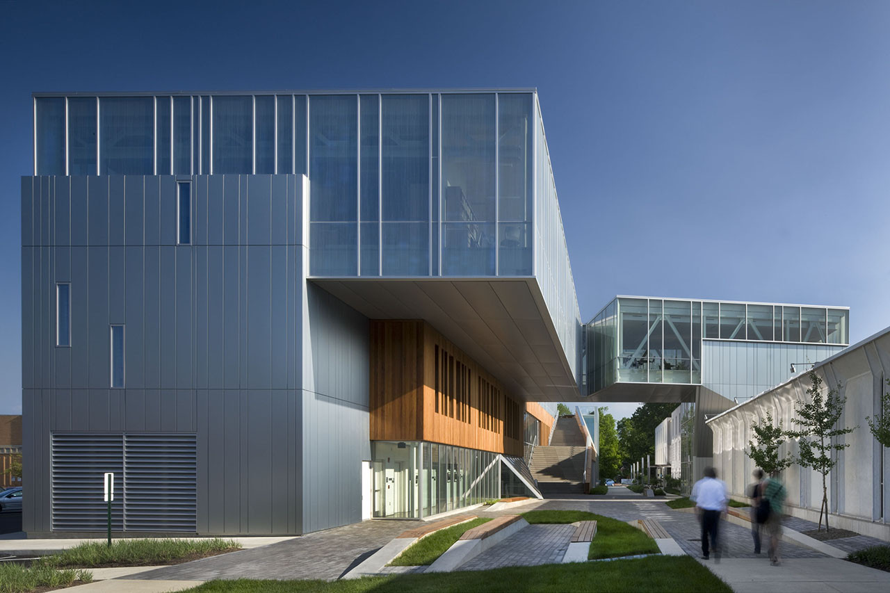 The Bertram and Judith Kohl Building / Westlake Reed Leskosky, © Nic Lehoux