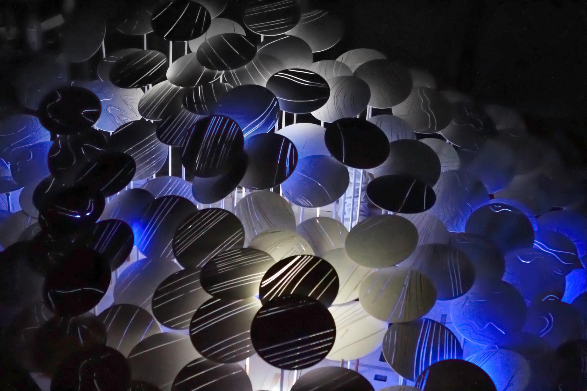 Instalación Light Forest, AA DLAB: Blue, Londres / Hooke Park, Julio - Agosto 2013 (foto: Carol Kan)