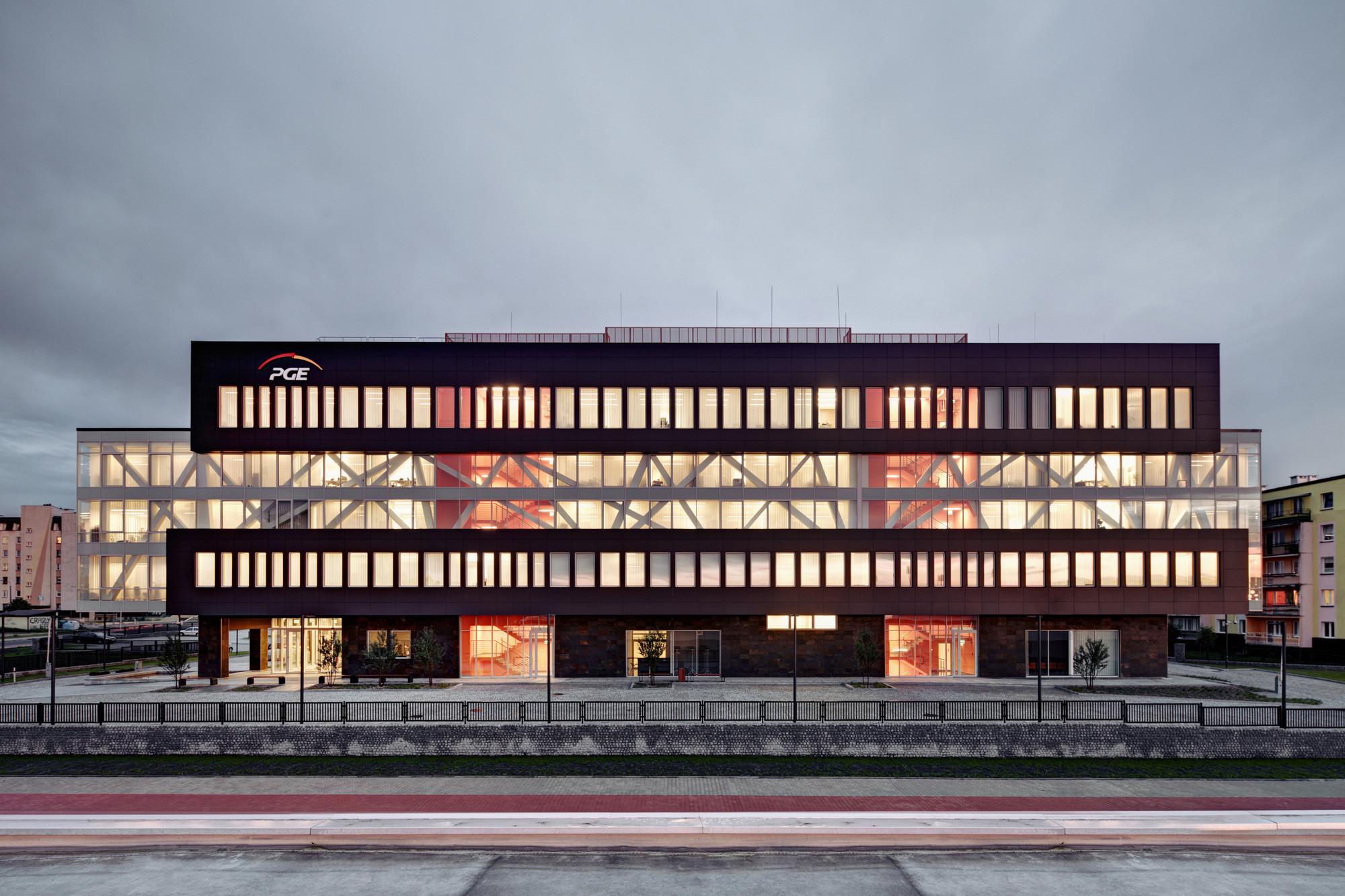 PGE GiEk Concern Headquarters / FAAB Architektura Adam Białobrzeski | Adam Figurski, © Bartłomiej Senkowski