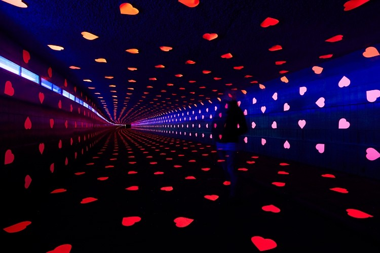 Tunnel of love by Vollaerszwart. Glow 2011. Image Courtesy of GLOW Eindhoven