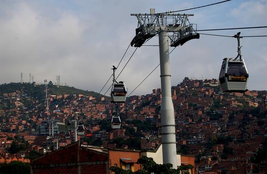 Metrocable / Urban-Think Tank. Imagen © Omar Uran