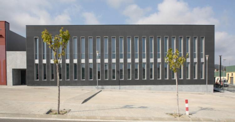 Innova. Centro De Desarrollo Local y Vivero De Empresas / Alcolea+Tárrago Arquitectos, Courtesy of Alcolea+Tárrago Arquitectos