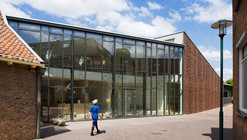 Restoration and Extension Museum Nairac / Van Hoogevest Architecten