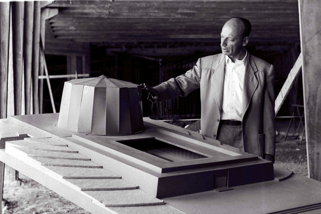 Model.  Philip Johnson and Gideon Ziv, Sorek Nuclear Research Center, Israel, 1956-9 (from: Zvi Efrat, The Israeli Project: Building and Architecture 1948-1973)