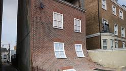 Arte y Arquitectura: una vivienda derretida por Alex Chinnec