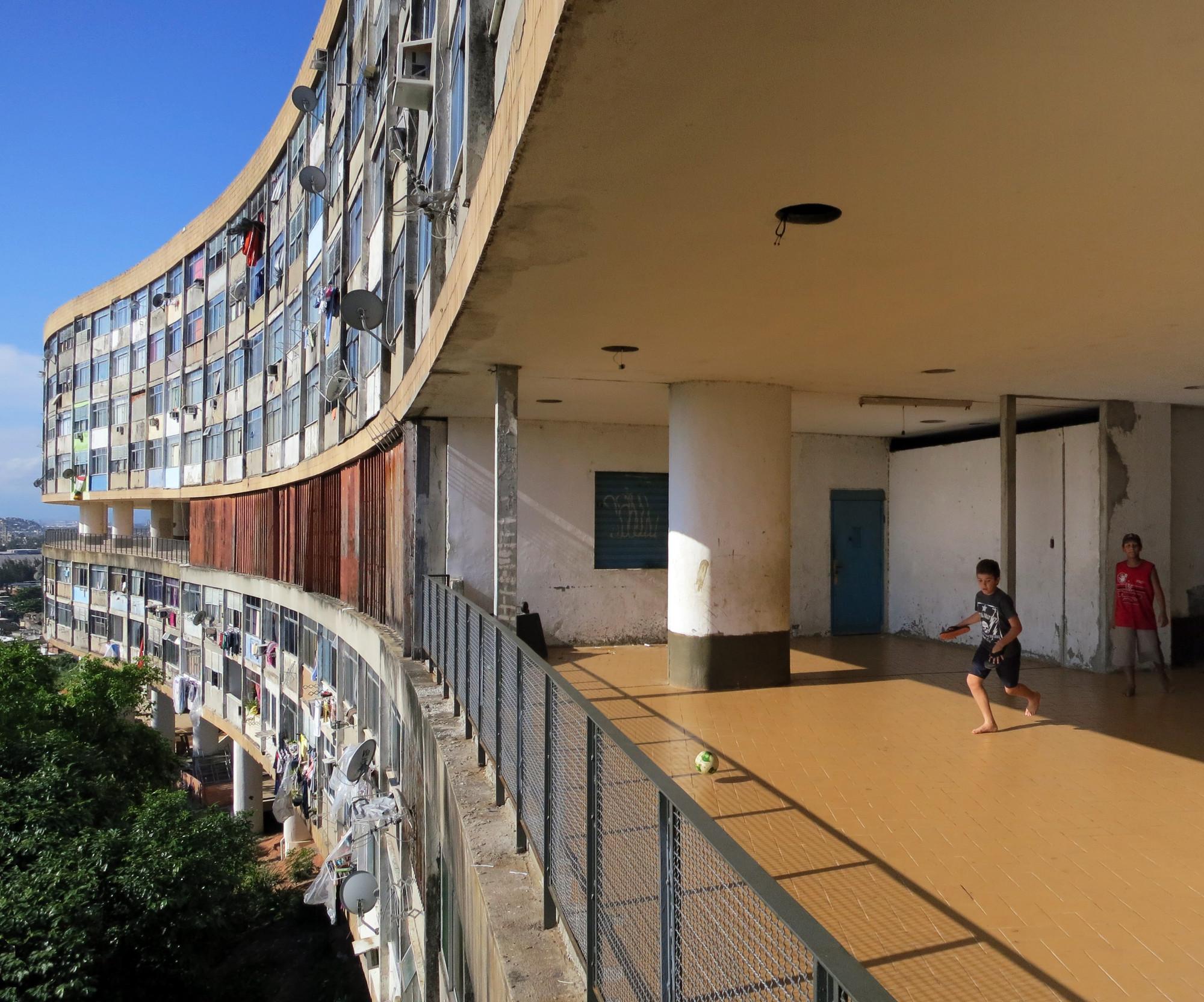 Affonso Eduardo Reidy, Pedregulho Housing (1950-52). Image © John Hartmann