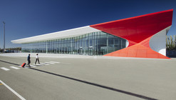 Aeropuerto Internacional de Kutaisi / UNStudio