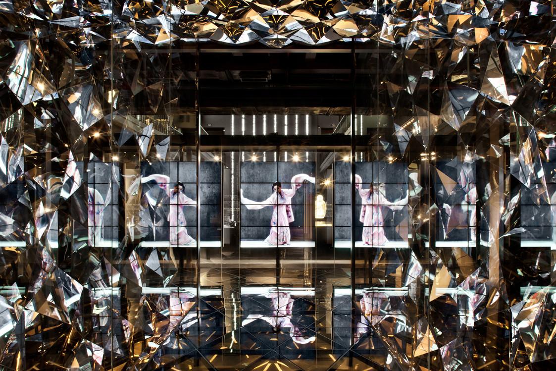 Interior. Image © Ken Schluchtmann via Arcaid Images