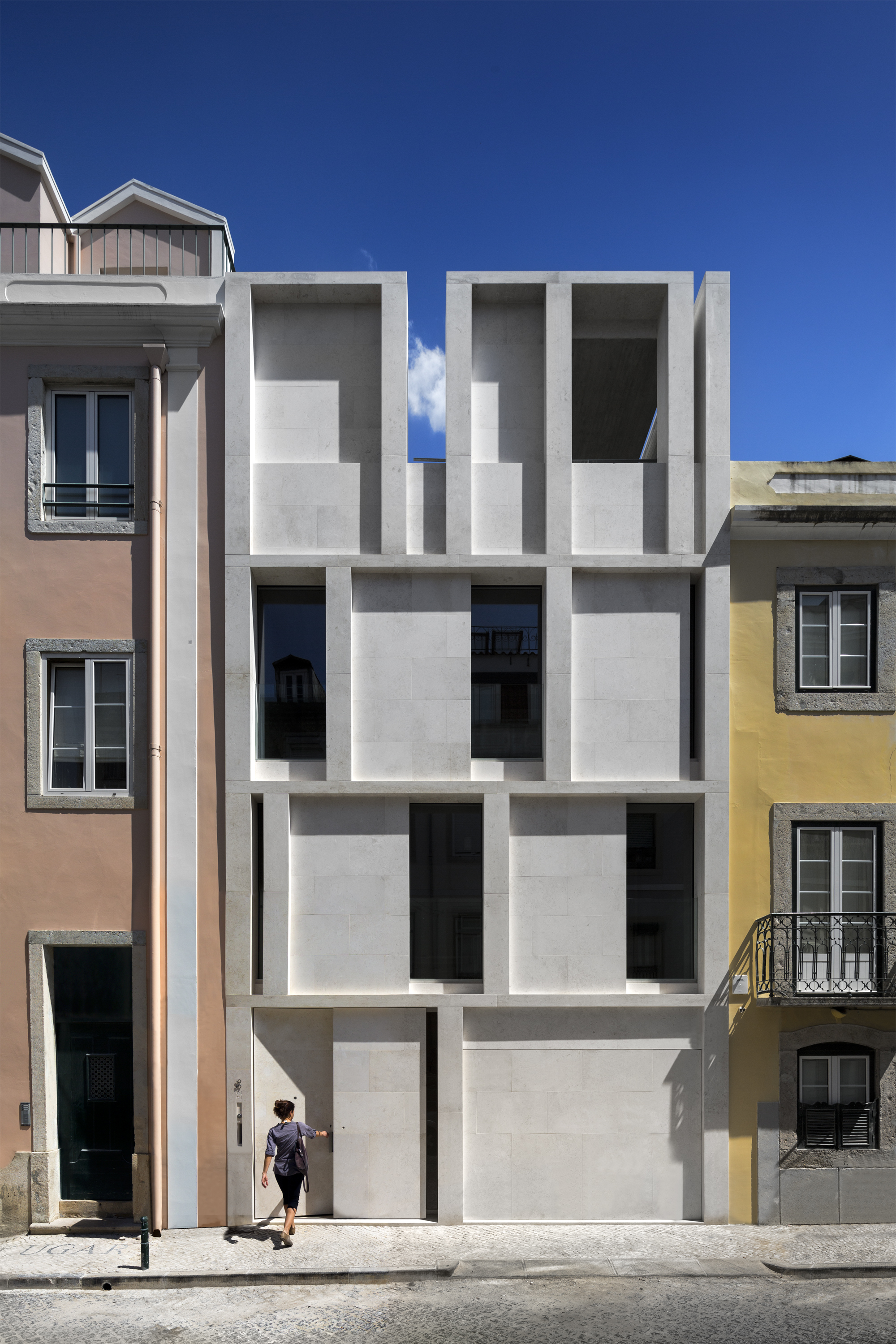 House In Lisbon Arx Portugal Arquitectos Archdaily