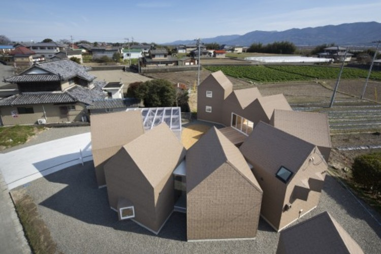 House of Awa-cho / Container Design. Image © Eiji Tomita