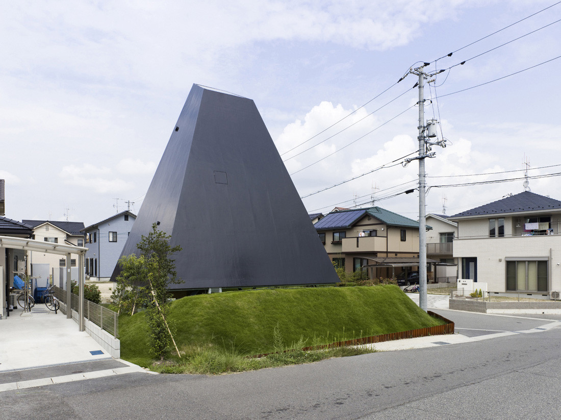 House in Saijo / Suppose Design Office. Image Courtesy of Nacasa&Partners Inc.