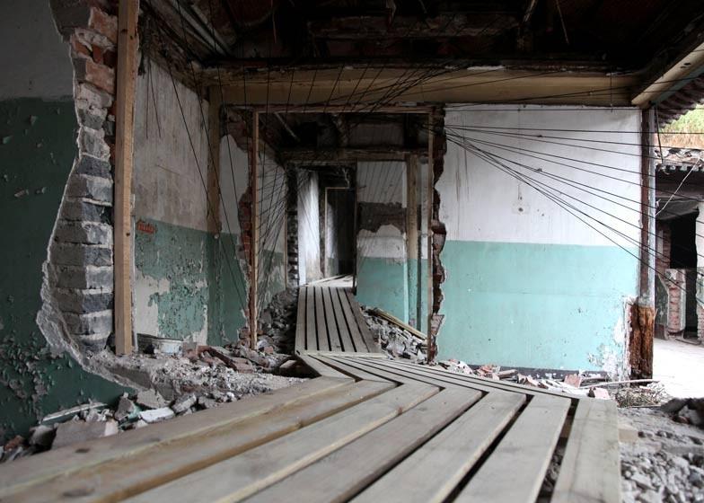 Arte y Arquitectura: Paizi 38 – un recorrido que explora los restos de un cuerpo arquitectónico , © reMIX Studio