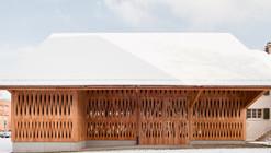 Dwelling House with Barn / Michael Meier Marius Hug Architekten