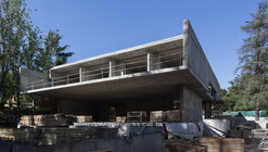 In Progress: Aluminum House / Fran Silvestre Arquitectos