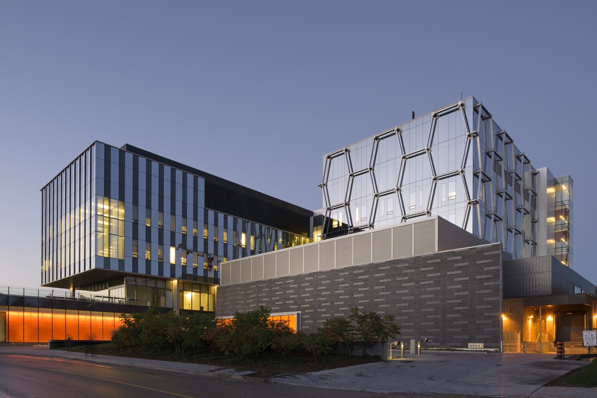 ... west university of waterloo waterloo on n2l 3g1 canada architect in