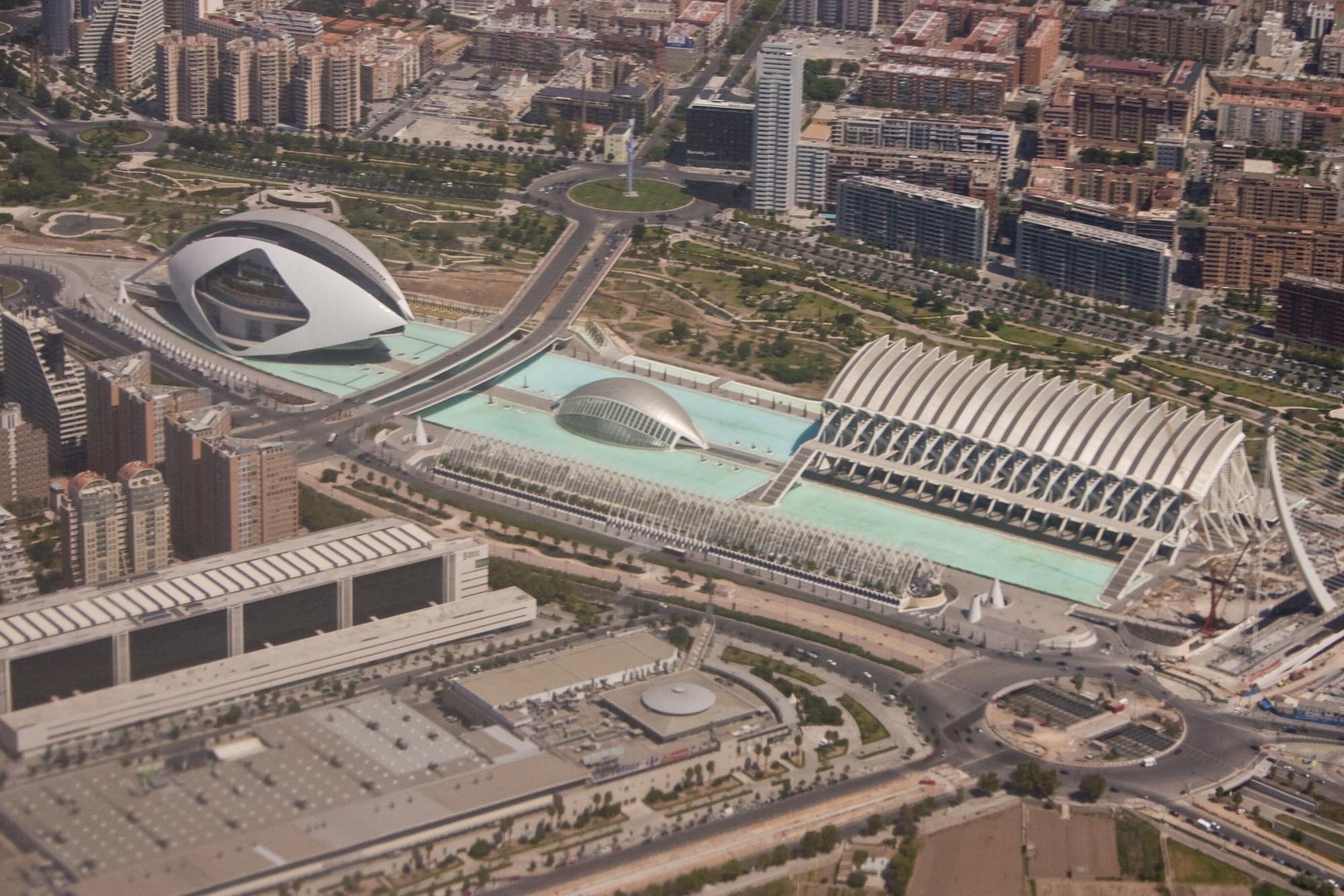 Ciudad de las Artes y la Ciencia / Valencia, España. Image © Mike Lowe