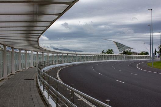 Aeropuerto de Bilbao / Bilbao, España. Image © Vía Flickr, Usuario alberto rincon garcia