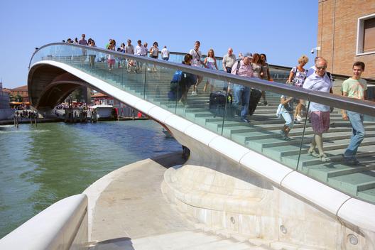 Ponte della Costituzione / Venecia, Italia. Image © Vía Flickr, Usuario klausbergheimer