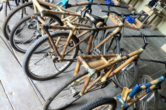 Bicicletas de Bambú en Ghana. Image © Vía Millenium Cities Initiative