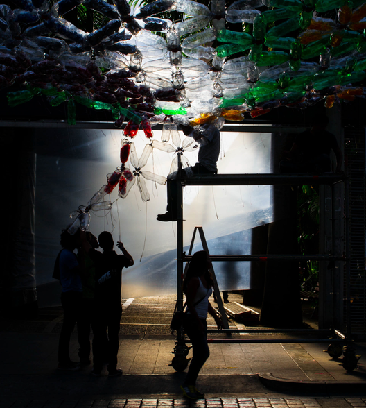 Arte y Arquitectura: Laberinto Urbano - la transformación de un espacio lúdico, © Estudiantes  de la Escuela Roberto Mata