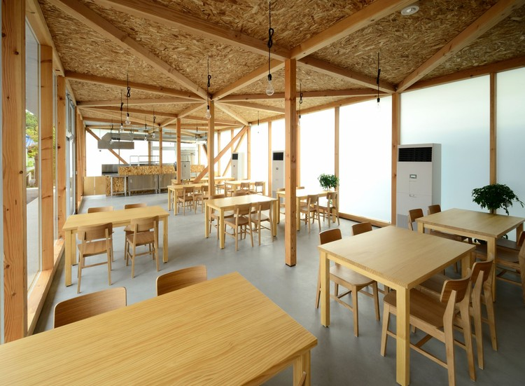 Cafetería en Ushimado / Niji Architects, © Masafumi Harada/Niji Photo