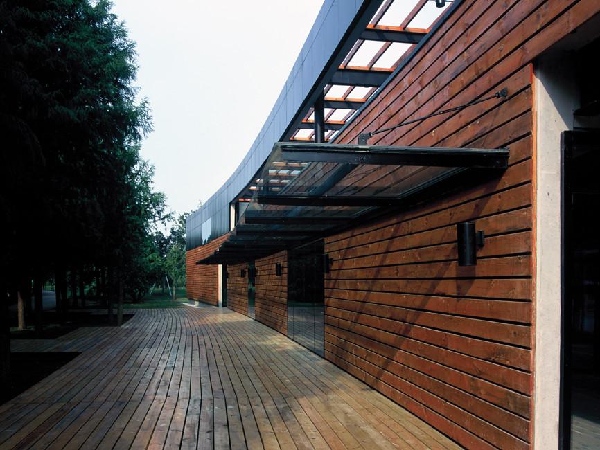 Visitor Center in Lake Yangcheng Park / Miao Design Studio , Courtesy of Miao Design Studio